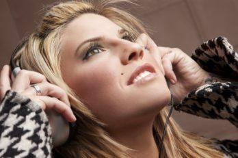 iStock_000008873201Large_ladyheadphones