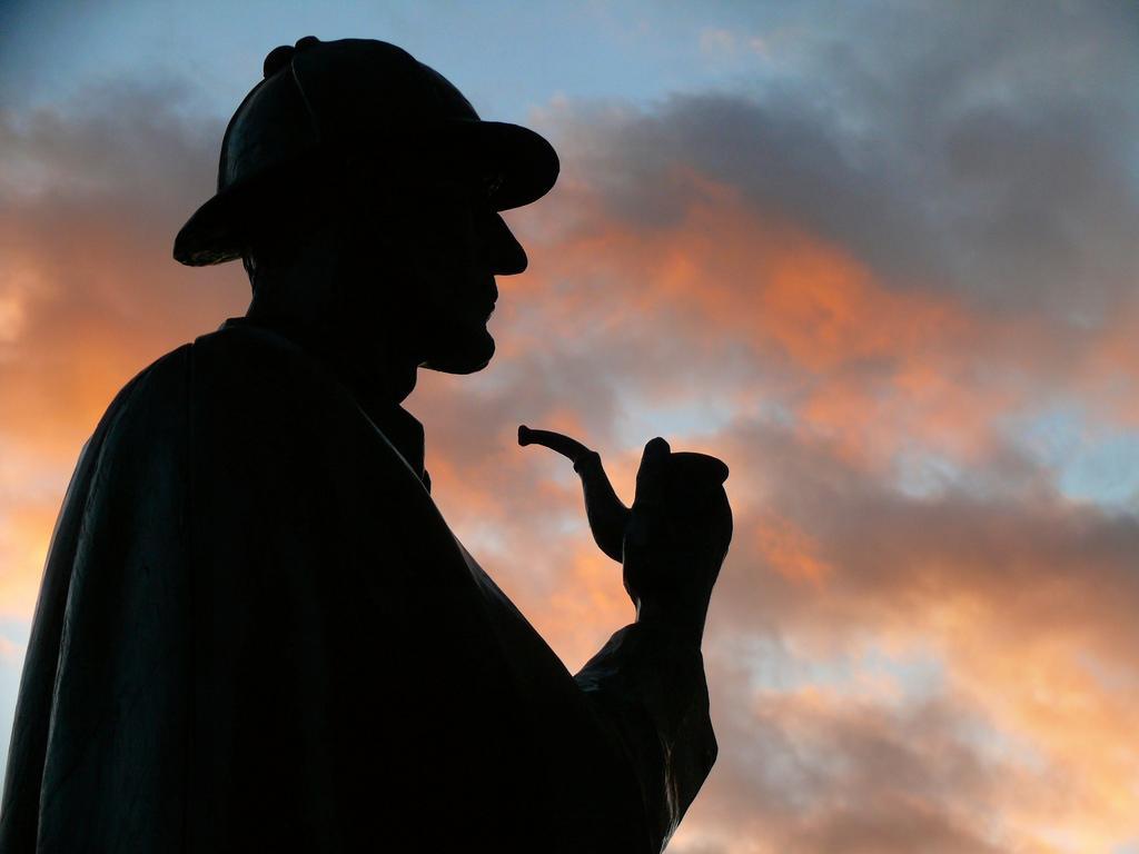 Holmes!!...