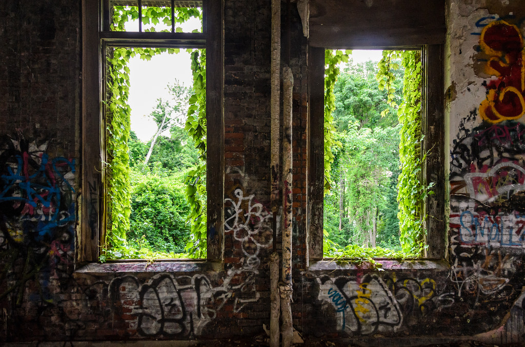 Decay & Graffiti @ New York City Farm Colony, Willowbrook / Sea View, Staten Island, NYC