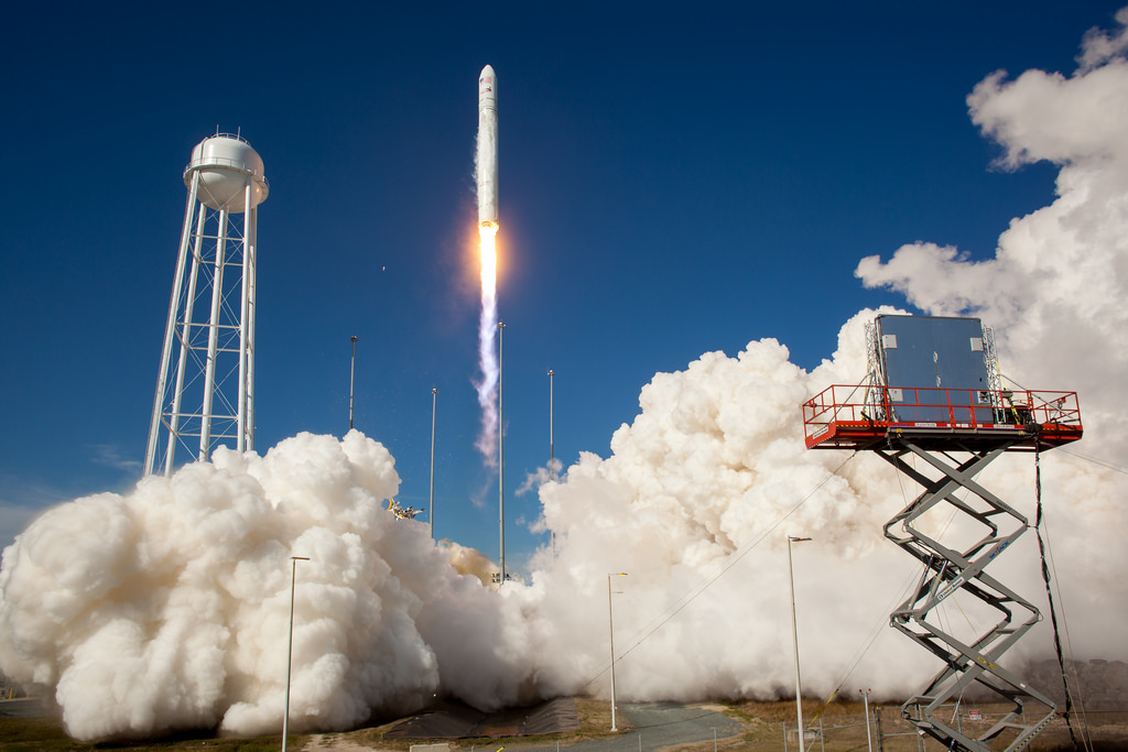 Antares Rocket Test Launch (201304210013HQ)