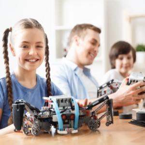 Meet-the-LEGO-robots